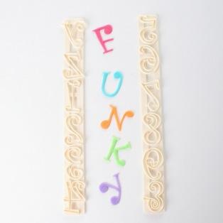 Funky alphabet - Majuscules et chiffres - FMM